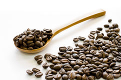 Kawowe fasole na białym tle, kawa, aromat, kofeina, Kawowa przerwa Zdjęcie Royalty Free