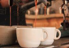 kawowego kawa espresso ujawnienia długi maszynowy fotografii przygotowania proces Zdjęcia Stock