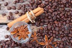 Kawowy cynamon i gwiazdowy anyż zdjęcia stock