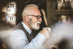 Kawowy czas dla biznesmenów Fotografia Royalty Free