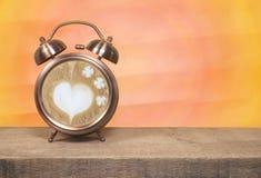 Kawowy czas, latte sztuki filiżanka Obrazy Royalty Free