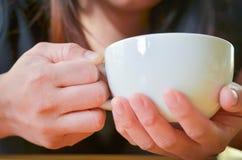 Kawowy czas w ranku, wakacje Zdjęcia Royalty Free