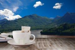 Kawowy drewniany stół Obrazy Stock