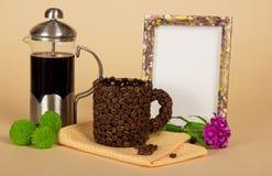Kawowy garnek, filiżanka, puste miejsce rama Zdjęcia Royalty Free
