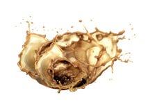 Kawowy pluśnięcie z kropli kawą Na białym tle, zdjęcie stock
