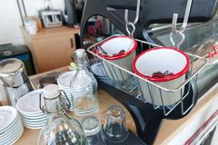 Kawowy porci wyposażenie, naczynia i Zdjęcia Stock