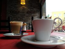 Kawowy samotny lub latte? Fotografia Royalty Free