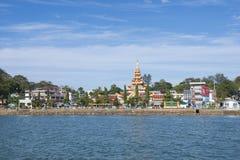 KAWTHAUNG MYANMAR - JANUARI 12, 2016: Kawthaung eller Victoria Po Royaltyfri Bild