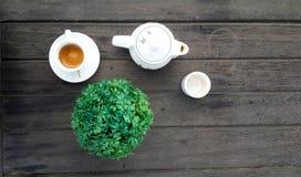 Kawy espresso kawa i herbaciany garnek, odgórny widok zdjęcia stock