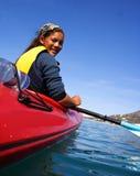 kayak девушки стоковые фото