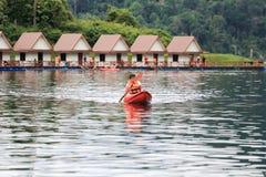 Kayak au barrage de Rachaprapa Image libre de droits