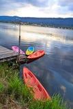 Kayak en rivière image stock