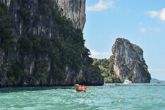 Kayak fahren im Indischen Ozean Stockbild