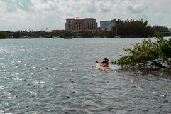 Kayak fahren Intracoastal Lizenzfreie Stockfotografie