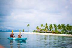 Kayak fahrende Zeit Stockbild