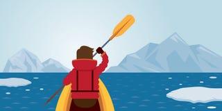Kayak fahrender Mann, arktischer Hintergrund Lizenzfreies Stockbild