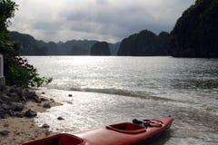 Kayak in ha long bay Royalty Free Stock Photography
