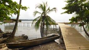 Kayak ou cayuco en bois Image libre de droits