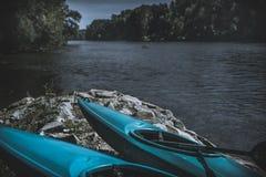 Kayak sul fiume Fotografie Stock