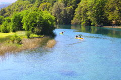 Kayak sul fiume di Manso - Patagonia - l'Argentina Fotografia Stock Libera da Diritti