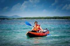 Kayak sur la mer Image libre de droits