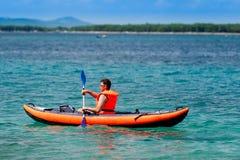 Kayak sur la mer Photo libre de droits