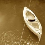 Kayak sur le lac Image stock