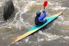 Kayaker в реке стоковая фотография rf