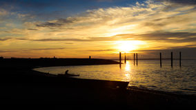 Kayaker στο ηλιοβασίλεμα Στοκ φωτογραφία με δικαίωμα ελεύθερης χρήσης