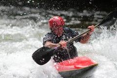 kayaker bawić się gwałtownych Obrazy Stock
