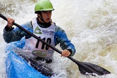 Kayaker de Whitewater Image stock