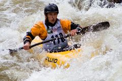 Kayaker de Whitewater Images stock