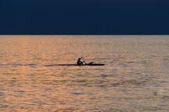 Kayaker di tramonto di Hawaiin Fotografia Stock Libera da Diritti