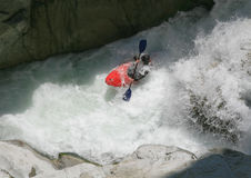 Kayaker in een whitewater royalty-vrije stock foto