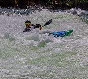 Kayaker en el agua áspera #5 Imagen de archivo libre de regalías