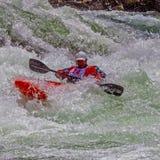 Kayaker en el agua áspera #6 Imágenes de archivo libres de regalías