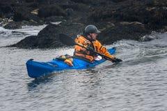 Kayaker en la acción Foto de archivo