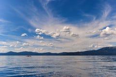 Kayaker op Meer Tahoe stock foto's