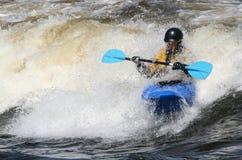 Kayaker que consigue mojado foto de archivo libre de regalías