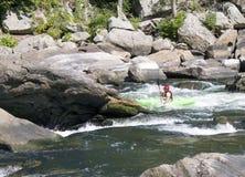 Kayaker strzela gwałtownych obrazy royalty free