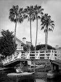 Kayaker sur le canal de plage de Venise Photographie stock