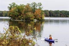 Kayaker Turner Reservoir Royaltyfri Bild
