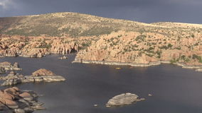 Kayakers die van Watson Lake Prescott Arizona genieten Stock Fotografie