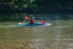 Kayakers en el río de Roanoke imágenes de archivo libres de regalías