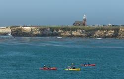 Kayakers en Santa Cruz foto de archivo libre de regalías