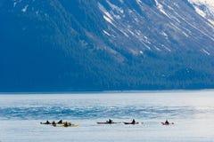 Kayakers nell'Alaska Immagine Stock