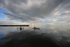 Kayakers no parque nacional de Biscayne, Florida imagens de stock