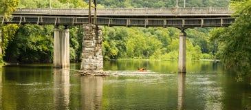 Kayakers op James River royalty-vrije stock afbeeldingen