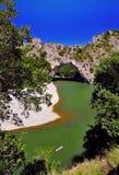 Kayakers, pont d, arco, Ardeche, Francia de Vallon Imagen de archivo libre de regalías