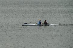 Kayakers sur la rivière Oka en Russie centrale Image libre de droits